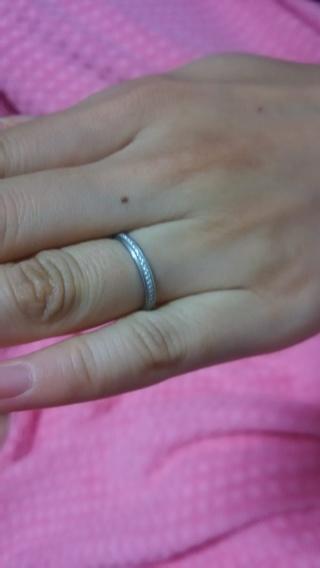 【カルティエ(Cartier)の口コミ】 妻用の結婚指輪です。婚約指輪と違い、普段ずっと身に着ける結婚指輪なの…
