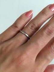 【ティファニー(Tiffany & Co.)の口コミ】 手が小さくて指が細いので目立ちすぎないよう細めのリングを選びました。ま…