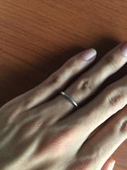 【ラザール ダイヤモンド(LAZARE DIAMOND)の口コミ】 妻はデザイン性を重視し、私は付け心地を重視して指輪を探していました。 …