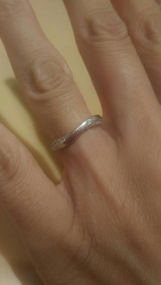 【俄(にわか)の口コミ】 婚約指輪を購入せず、結婚指輪だけを購入しました。なのでダイヤがついてい…