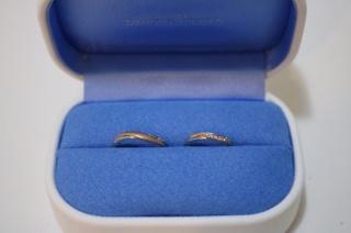 【銀座ダイヤモンドシライシの口コミ】 ゴールドとシルバーの2色使いであったことと、男女ともにいいなぁと感じる…