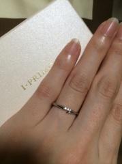 【アイプリモ(I-PRIMO)の口コミ】 デザインも気に入り、価格もお手頃だった為決めました。一つ一つ指輪に名前…