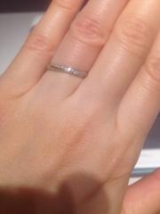 【アイプリモ(I-PRIMO)の口コミ】 初めは、折角だから結婚指輪らしい、可憐な華やかさを求めていろいろ見てみ…