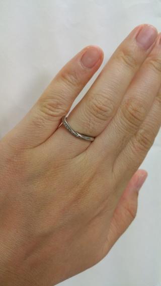 【俄(にわか)の口コミ】 普段はアクセサリーを着けないので指輪のブランドには詳しくなく、百貨店な…
