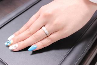 【輪-RIN-の口コミ】 指が長いので幅の広い指輪が良いなと思っていました。彼も「人があまり持…