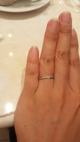 【ヴァンドーム青山(Vendome Aoyama)の口コミ】 自分は指が短かったので、細くてダイヤが入っているものがよかった為。 ま…