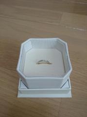 【4℃(ヨンドシー)の口コミ】 もともと指輪を付けるのが得意ではないので、婚約指輪についてはセンター…