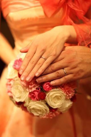 【ラザール ダイヤモンド(LAZARE DIAMOND)の口コミ】 結婚式や新婚生活の間は、華やかなものが良いかなと思い、ブルーダイヤやピ…