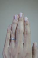 【IMPRESSION(インプレッション)の口コミ】 シンプルなのに、品のあるデザインに惹かれました。女性指輪の表面には小…