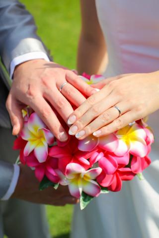 【カルティエ(Cartier)の口コミ】 結婚指輪を探す際、色はシルバーのもの、指につけても違和感のない太さ、…