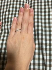 【canal4℃(カナルヨンドシー)の口コミ】 Sラインでひねりのあるタイプなため、指が細く長く見えるという、見た目だ…