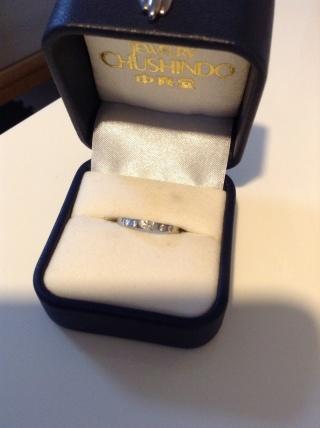【中真堂の口コミ】 シンプルなデザインなので飽きがこず、結婚指輪との重ね付けもしやすそう…
