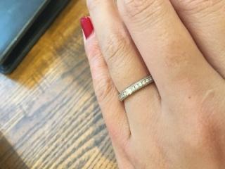【et TOUJOURS(トゥージュール)の口コミ】 中央に入っているダイヤが、ツインダイヤと呼ばれるダイヤで、元は1つの原…