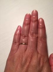 【ヴァンドーム青山(Vendome Aoyama)の口コミ】 指が太いので、指輪は細くてシンプルのものにしようと思っていました。でも…