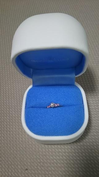 【銀座ダイヤモンドシライシの口コミ】 ダイヤモンドの品質が素晴らしかったこと、デザインが素敵だったこと、オリ…