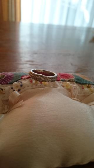 【Loree Rodkin(ローリー・ロドキン)の口コミ】 ショーケースにある指輪を見てピンときました。でも、へびモチーフってちょ…
