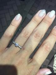 【銀座ダイヤモンドシライシの口コミ】 銀座を中心に複数の店舗を回りましたが、ダイアモンドの輝きが一番綺麗で…