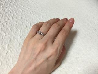 【Princess Bijou(プリンセス・ビジュー)の口コミ】 数店舗まわった後この指輪に出会いました。お値段にビックリしたのと、可…