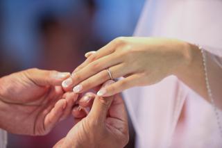 【俄(にわか)の口コミ】 日本のブランドの指輪が良いと私と夫の意見が一致していたので、 日本ブラ…