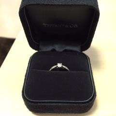 【ティファニー(Tiffany & Co.)の口コミ】 普段指輪を付けないので、シンプルなものにしようと思っていました。色ん…