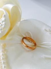 【アイプリモ(I-PRIMO)の口コミ】 ピンクベージュの結婚指輪を探していました。いろんなブランドがシルバー…