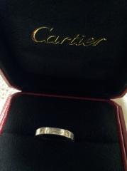 【カルティエ(Cartier)の口コミ】 まず一目でわかるブランドというのと、結婚指輪ですがダイヤ付きのものが…