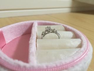 【ケイウノ ブライダル(K.UNO BRIDAL)の口コミ】 結婚式や新婚旅行にお金をかけていたので、「婚約指輪はいらない」と主人に…