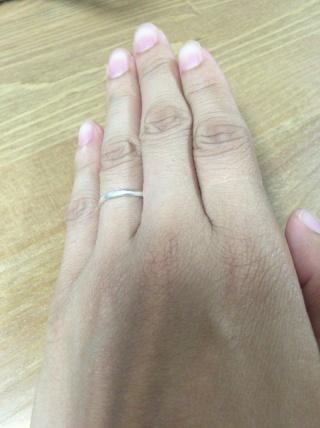 【4℃(ヨンドシー)の口コミ】 結婚指輪はシンプルで長く愛せるもの、と決めていましたので、定番なものに…