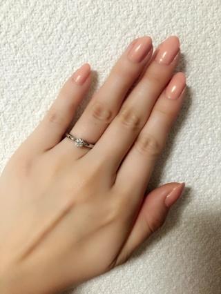 【ラザール ダイヤモンド(LAZARE DIAMOND)の口コミ】 王道のエンゲージリングのデザインを選びました。彼もこのデザインをおすす…