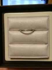 【LUCIE(ルシエ)の口コミ】 デザインが気に入ったのと、主人の気に入った指輪のデザインに合わせて購入…
