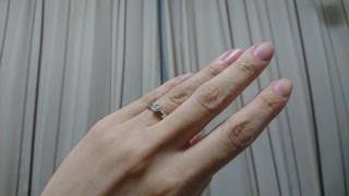 【ブルガリ(BVLGARI)の口コミ】 ラウンド型のダイヤの回りに4つの爪、リング部分はダイヤの回りがぷっくり…