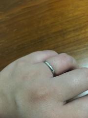 【アイプリモ(I-PRIMO)の口コミ】 結婚指輪は普段からつけるつもりだったのでなるべくシンプルで、けれど少…