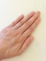 【アイプリモ(I-PRIMO)の口コミ】 指輪を試着して自分の指が一番綺麗に見えるデザインのものを選びました。私…