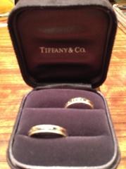 【ティファニー(Tiffany & Co.)の口コミ】 シンプル、シルバーとゴールドが入っているの条件で探していたので条件に…