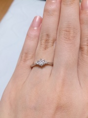 【アイプリモ(I-PRIMO)の口コミ】 まず一番のポイントは、指輪のデザインがこのブランドのなかで、ダイヤモン…