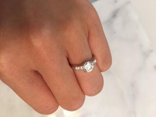 【ハリー・ウィンストン(Harry Winston)の口コミ】 ハリーウィンストンの指輪をすることにずっと前から憧れていたので、こち…