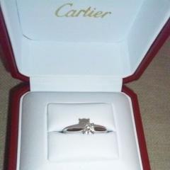 【カルティエ(Cartier)の口コミ】 指輪のサイズが豊富にあるところです。サイズがない場合、カットして繋いで…