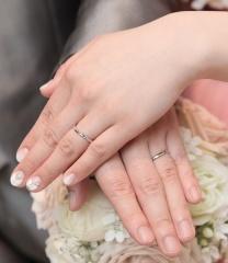 【アイプリモ(I-PRIMO)の口コミ】 婚約指輪がアイプリモのものだったので、他のブランドは特に検討せず 結婚…