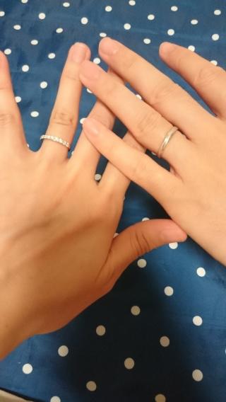 【銀座ダイヤモンドシライシの口コミ】 何件かお店を回りましたが、ここのお店の指輪が一番綺麗に輝いていたのと…