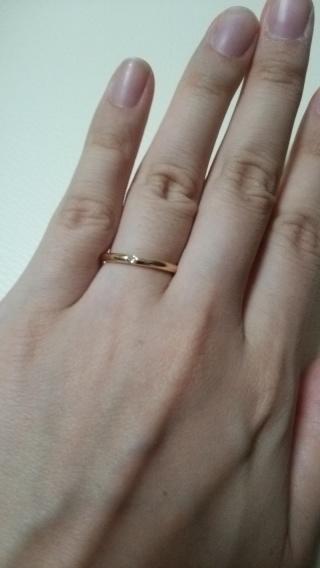【アイプリモ(I-PRIMO)の口コミ】 最初はプラチナの指輪を探していましたが、 試着してみると、ゴールドの方…