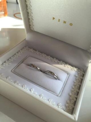 【宝寿堂(ほうじゅどう)の口コミ】 仕事柄、シンプルなものを希望していました。 また、婚約指輪ともセットで…