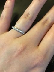【ケイウノ ブライダル(K.UNO BRIDAL)の口コミ】 普段使いしたかったのでハーフエタニティにしました。婚約指輪は立て詰め…