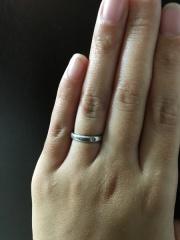 【ティファニー(Tiffany & Co.)の口コミ】 ティファニーのロゴが入っていて一気に気に入りました!それとダイヤが、三…