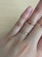 【Joyeux(ジョワイユ)の口コミ】 夫婦共に星モチーフが好きで、この星の台座の指輪を見て、お互いいいね!…