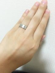 【THE KISS(ザ・キッス)の口コミ】 結婚指輪は自分の好きなデザインにしたいと思っていたので、婚約指輪は彼…