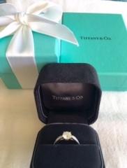 【ティファニー(Tiffany & Co.)の口コミ】 一生に一度のことなのでエンゲージメントリングは、世界的なブランドであ…