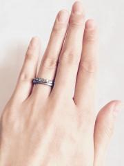 【TITAN RAINBOW(チタンレインボー)の口コミ】 妻の私が金属アレルギーで、ピアスや指輪、ネックレスなど付けると一日で皮…