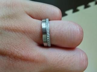 【N.Y.NIWAKA(ニューヨークニワカ)の口コミ】 婚約指輪をなしにしてその分結婚指輪にお金をかけました。 夫が太めのリン…