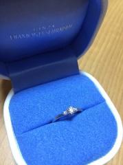 【銀座ダイヤモンドシライシの口コミ】 ダイヤの種類が豊富であるということ。店の中のウィンドケースにカラット…