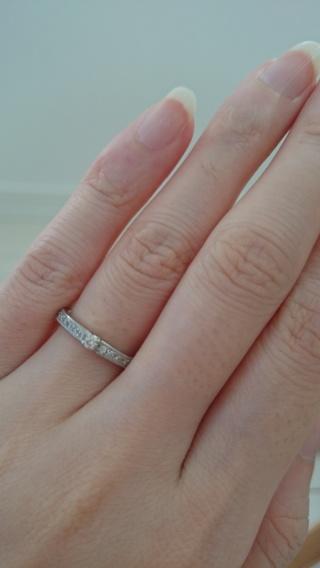 【エクセルコダイヤモンド(EXELCO DIAMOND)の口コミ】 私は仕事をしており、あまり派手過ぎる指輪は出来ないのですが、結婚指輪は…